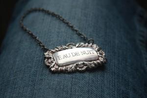 graverat halsband i silver